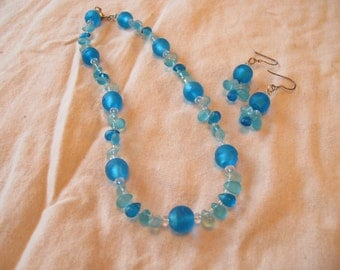 Blue Waters-Varigated aqua blue necklace and earrings