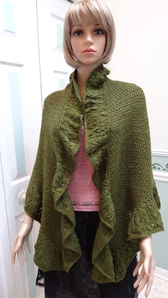 Princess Kate Middleton style shawl/ cape hand knitted in
