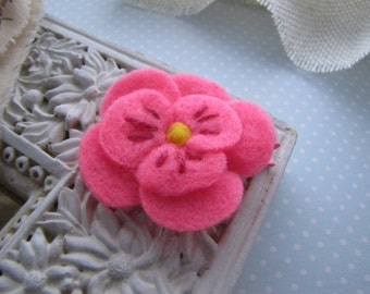 Pink Pansy . felt flower clippie . girls hair accessory