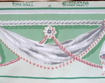 Vintage Wallpaper - Grey and Rose Pink Swags on Green background - 1 Yard