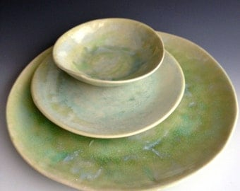 Handmade, organic, stoneware, place setting, slab dinner plate, side plate and dessert bowl by Leslie Freeman