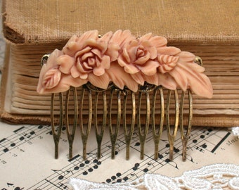 Hair Comb -  Rose Feather Hair Comb  Antique Victorian Style Peach Beige Color Maid Of Honor, Bridesmaids Gifts. Bridal Hair- Something Old