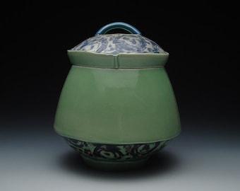 Porcelain Ceramic Jar