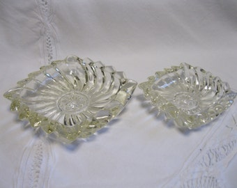 2 Vintage Stacking Square Ashtrays Glass Swirl Clear 40s 50s Nesting Like Heisey Collectible