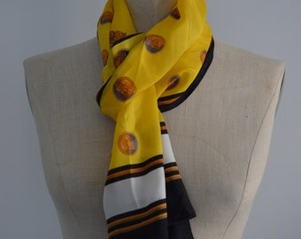 Free Shipping US Vintage Classic Queen's Badge Nights In Armour Yellow Scarf
