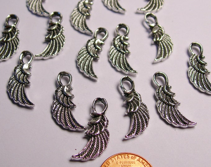 24 Wings charms - 24 pcs - silver Angel wings - NAZ4