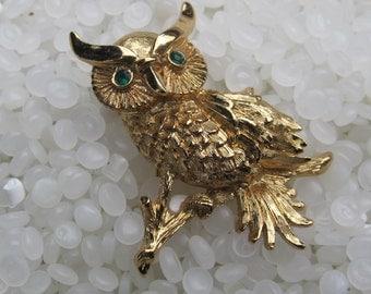 vintage owl brooch, gold tone owl, sitting on a branch, green eyes
