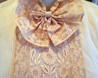 20s 30s Lace Dickie / 1920s 30s Nude Embroidered Lace Dickie / Antique Edwardian Dickie / Size S