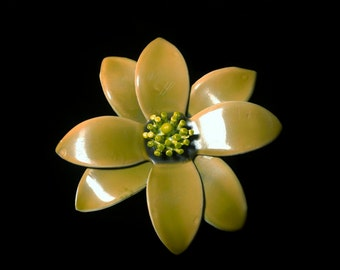 Olive Green and Yellow Daisy Plastic Brooch Vintage 1960's