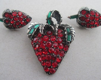 Vintage Pell Signed Red Rhinestones Strawberry Brooch And Earring Set