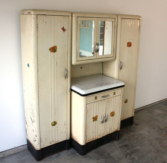 Vintage 1920 39 s steel kitchenette with enamel top storage for Kitchenette cupboard