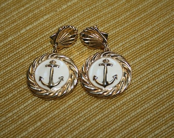 VTG Vintage Cream and Gold Nautical Post Earrings
