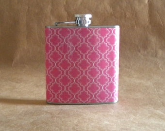 Ready to Ship Hostess Gift Pink and White Quatrefoil Print 6 ounce Stainless Steel Girl Gift Flask KR2D 6427