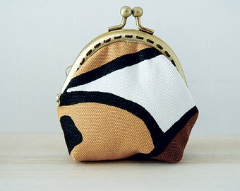 Coin Purse // Retro // Brown and White // Geometrical pattern