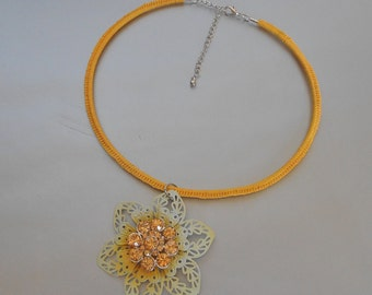 Yellow Choker Necklace-Crochet Necklace-Yellow Crochet Necklace-Yellow Flower Crystal Necklace