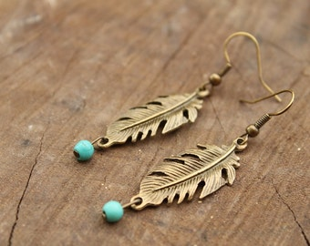 FEATHER bronze Dangle earrings with a turquoise bead Boho chic Ethnic Gypsy Native American Free people style Vintage Look Rustic