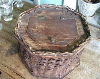 WICKER SEWING BASKET. needlework basket. Sewing Basket. with hinged wooden lid vintage 1900s. wicker box. sewing box.