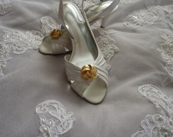 Wedding Shoes Size 7 1/2  Vintage Gold & Pearl Clip-Ons for Bride, Quinceanera or Maid of Honor NIB