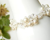 Beaded cluster bracelet, pearl and crystal bracelet, bridal bracelet, crystal bracelet, Swarovski crystal bracelet. JESSICA Small.
