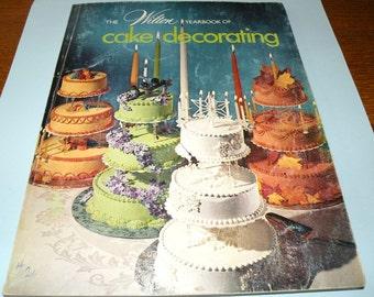1974 Wilton Yearbook of Cake Decorating