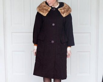 1960s Brown Swing Coat with Fur Collar Oversized Buttons