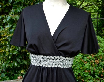 Vintage Maxi Dress Black Polyester and Silver Waist 70's Butterfly Sleeves size Medium