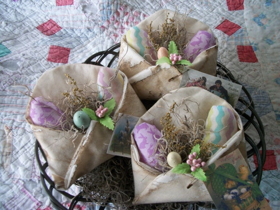 3 Primitve Easter Envelope BowlFillers w/ Eggs & Pip Berries
