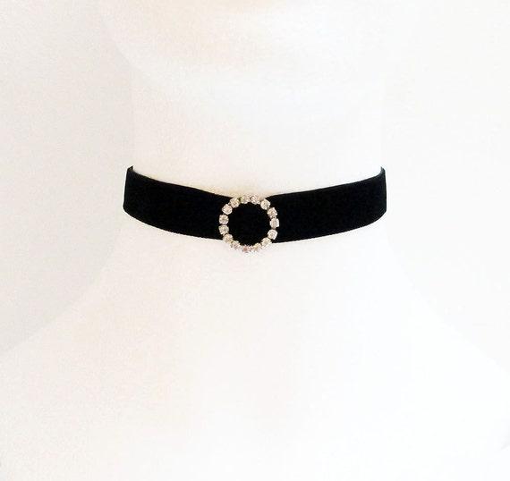 collier ras de cou velours noir