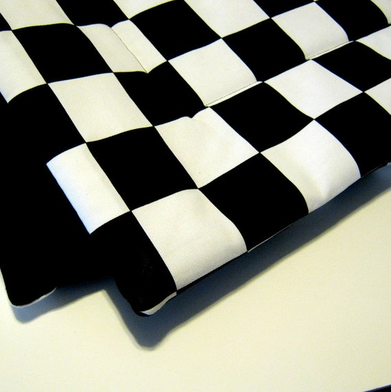 Checkered Mat: Small Crate Mat Dog Bed Checkered Black & White Canvas
