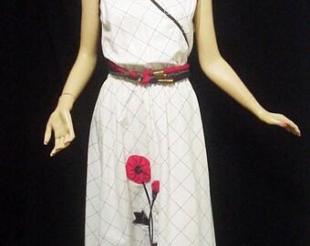 SALE!! 60's Appliqued Secretary Dress