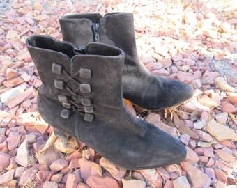 Vintage Chelsea Boots Black suede Size 7.5