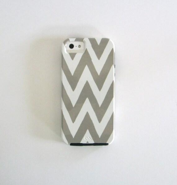 Sale Chevron iPhone 4/4s GRAY/GREY  case  BT Pattern Geometric Arrows Modern Tribal redtilestudio