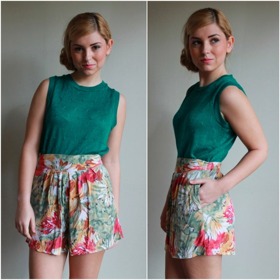 RESERVED  /  Vintage 80s High Waisted Shorts  /  Tropical Floral Print Culottes  /  Small
