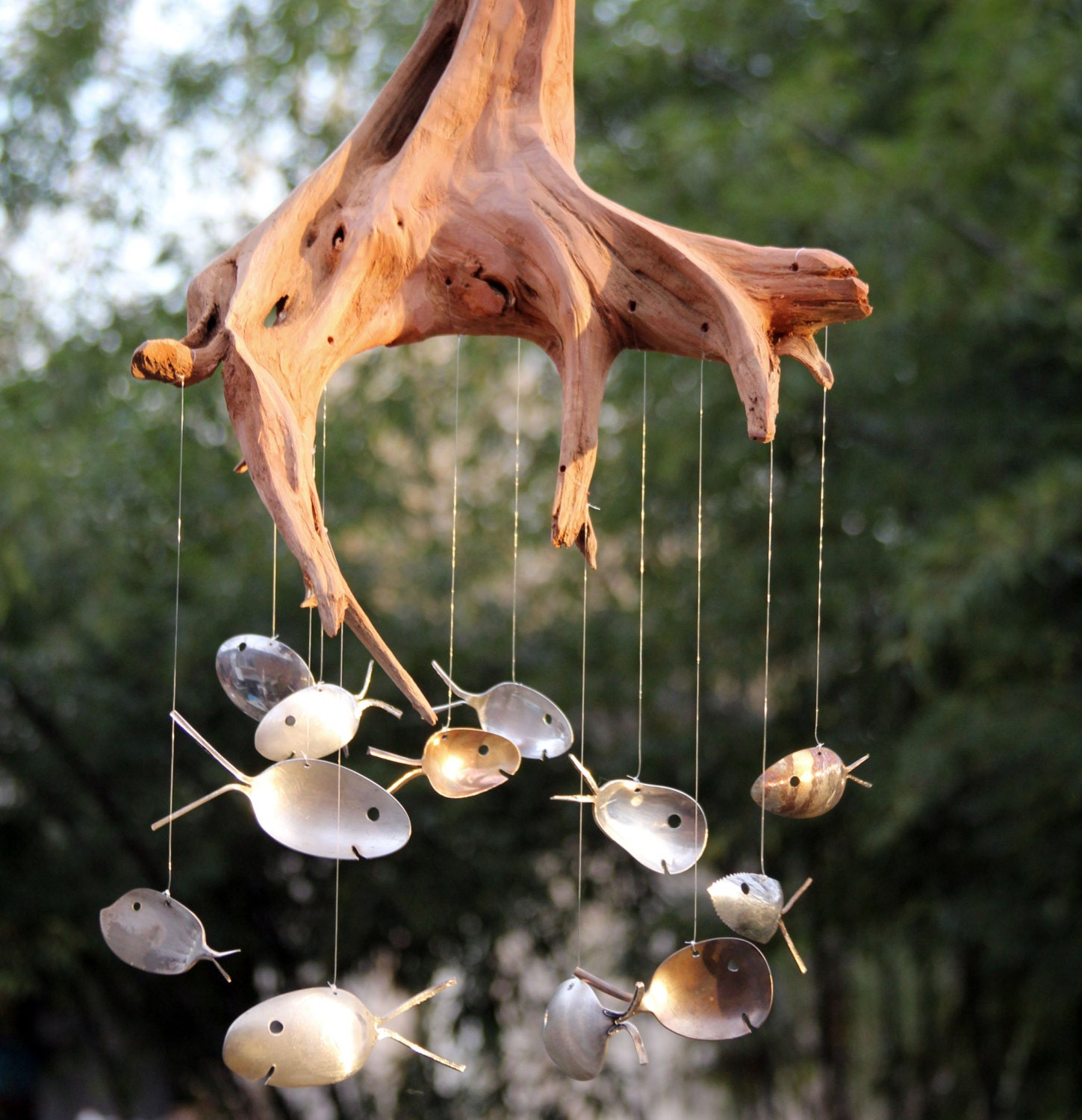Driftwood stump silver spoon fish windchime large outdoor for Fish wind chimes
