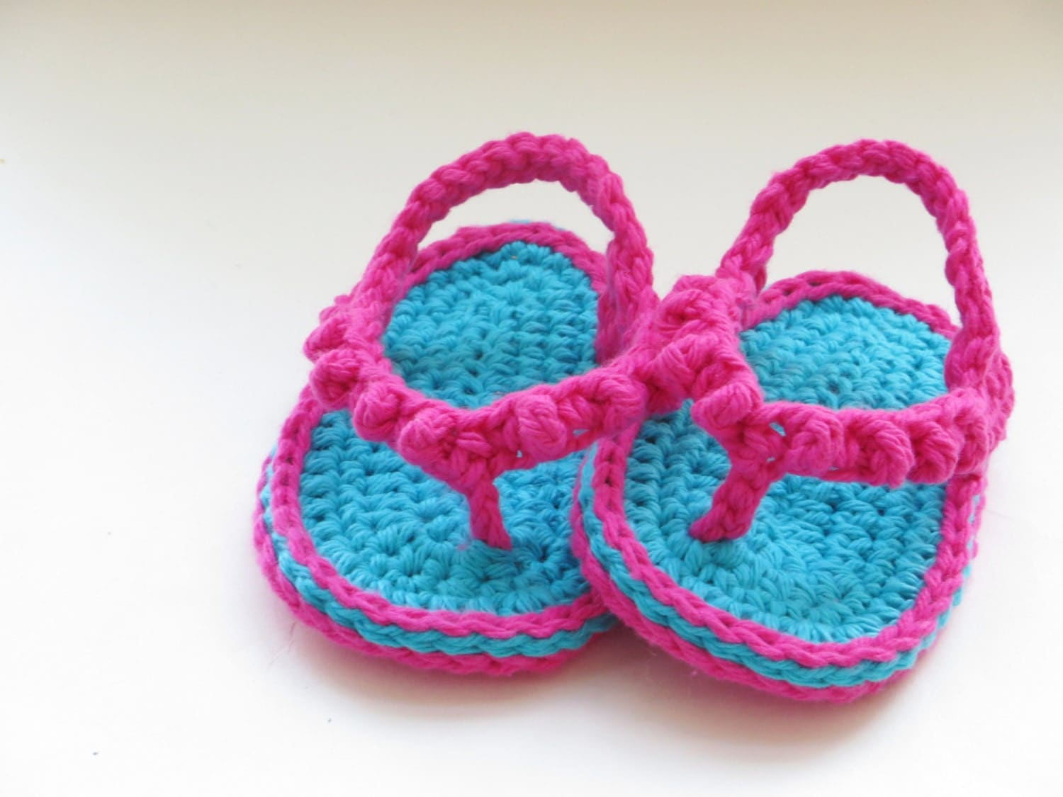 Free crochet pattern for baby thong sandals dancox for crochet pattern baby flip flops or thongs by bankloansurffo Gallery