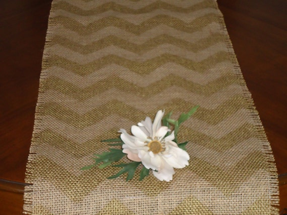 elegant burlap 12x108 chevron table runner gold by sweetjanesplan. Black Bedroom Furniture Sets. Home Design Ideas