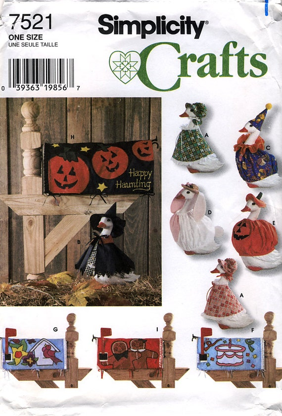 Simplicity 7521 Lawn Goose Clothing And Mailbox By