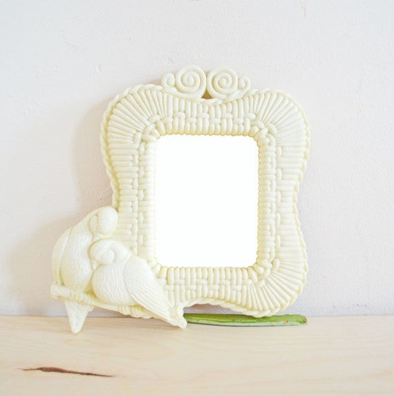 Vintage Bird Mirror White Plastic Love Birds Doves Small Country Cottage Decor Shabby Chic Mirror Decorative Wall Mirror Wedding Decor