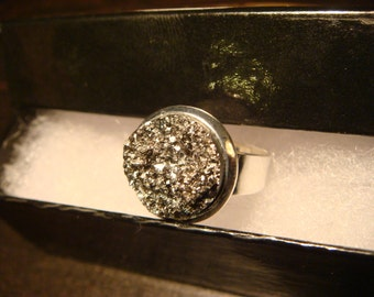 Victorian Style Silver Faux Druzy / Drusy Ring in Silver - Adjustable (1429)