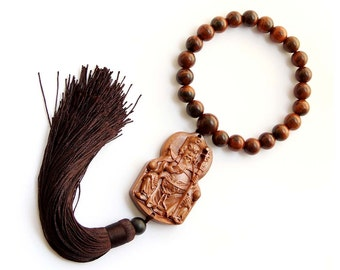 Flower Pear Wood Seated Guan-Gong Amulet Pendant Hanging With Mala  T2727