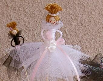 Wedding Cupcake toppers -Bride and bridesmaid cupcake toppers -Personalized Cupcake toppers -Bridal Cupcake toppers -Bridal Party - Set of 6