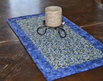 Quilted Table Runner, Blueberry Blue White Kitchen Decor, Cotton Table Runner, Blue Patchwork Quilt, Blueberries Decor, Dresser Scarf