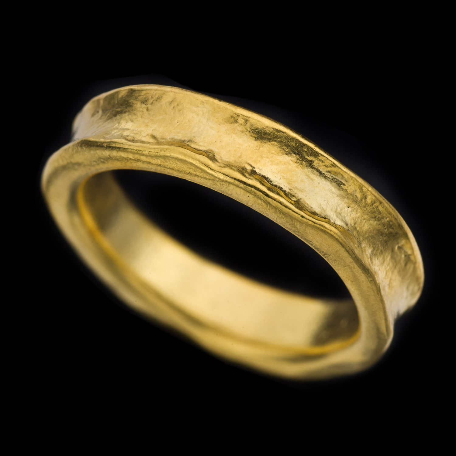 looking 18k solid gold wedding ring curved by