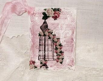 Gift Tag, Vintage French Market Style Love Vintage Dress Form MAVal008 ECS