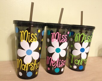 Personalized w/name over daisy acrylic tumbler, polka dots, Available in skinny, standard, sport bottle, mason, kiddie cup & XL cup