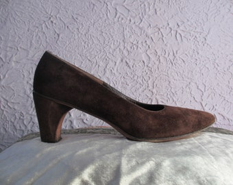 Vintage Herbert Levine Brown Suede Pumps Shoes 8.5 39