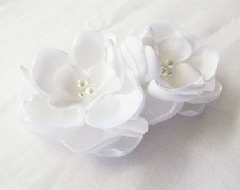 White Bridal Flower Hair Clip Duo, White Wedding Hair Accessory, White Fascinator, White Bridal Head Piece