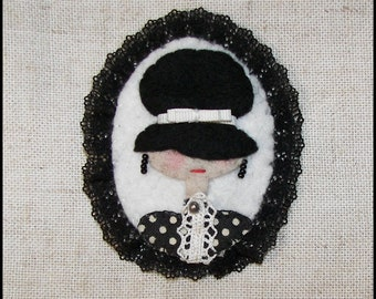 Felt cameo brooch, lace pin pendant, Felted lady fabric Cameo, Felt Brooch