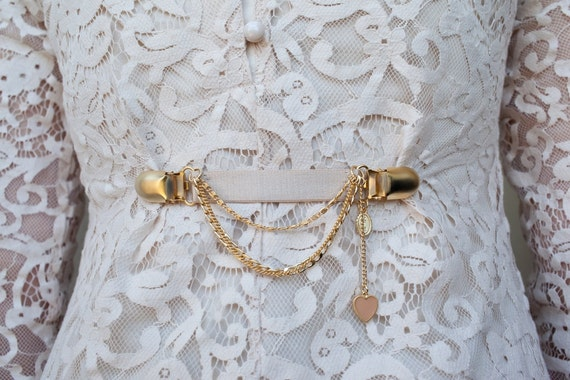80's clothes clasp with a romantic twist - nude elastic clothes fastener with gold chain layers and nude heart- dress fastener- bridesmaids