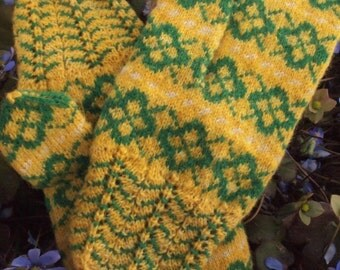 Finely Hand Knitted Seto (Estonian) Mittens in Green Yellow White FREE SHIPPING